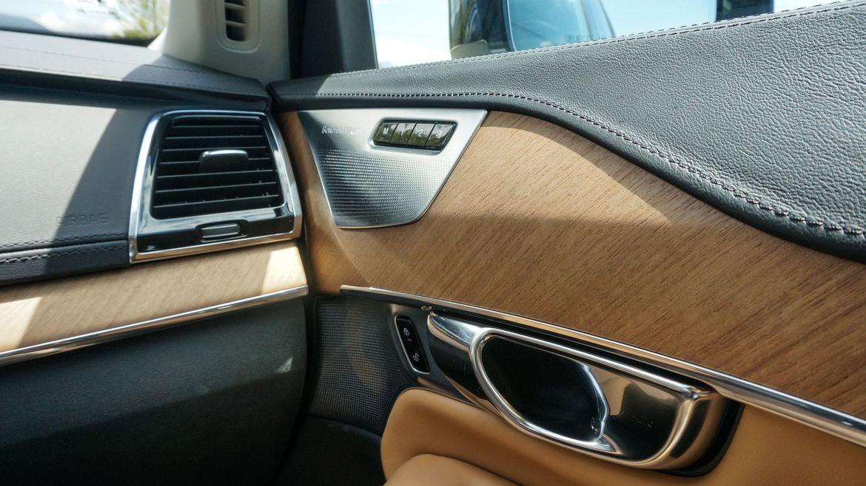 Volvo-XC90-2018