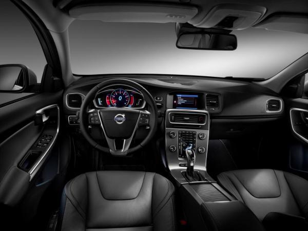 volvo-xc60-t6-drive-e-nam-2018